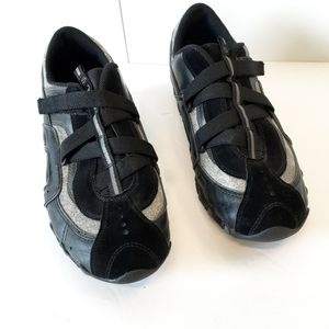 Skechers Relaxed Fit Breathe Easy Shoe Size 9 5